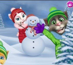 Play Talking Tom Playing Snowballs Game